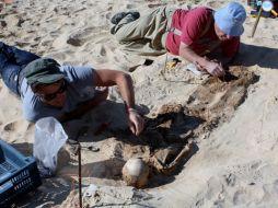 L'archeologo Jerry Rose, che dirige lo scavo delle sepolture